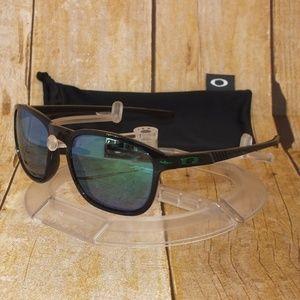 New Oakley Polarized Enduro Black Ink / Jade Irid